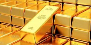 الذهب يهبط مع ضغوط من ارتفاع الدولار والسندات