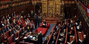 قرار صادم من الشرطة.. حول اعتداء عضو بالبرلمان البريطاني على فتاة