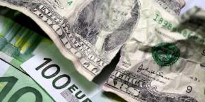 """فايننشال تايمز: الاتحاد الأوروبي يخطط لكسر """"هيمنة الدولار"""""""