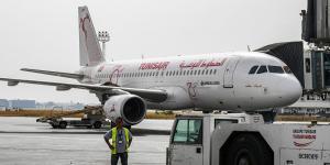 مشاجرة عنيفة داخل طائرة تونسية – فيديو