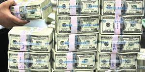 8 أشخاص يمتلكون تريليون دولار من ثروات العالم