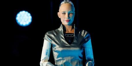 الروبوت صوفيا يدخل مرحلة الإنتاج بكميات كبيرة