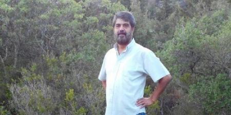 أستاذ جامعة بسوريا يؤجل محاضرة للوقوف على طابور الخبز