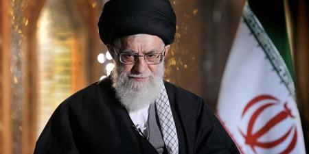 خامنئي يعزي نصرالله والشعب اللبناني