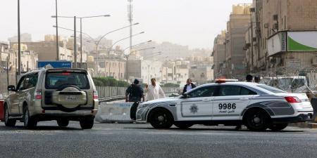 كويتي هدد بالانتحار فتسبب بوفاة هندي وإصابة مصري