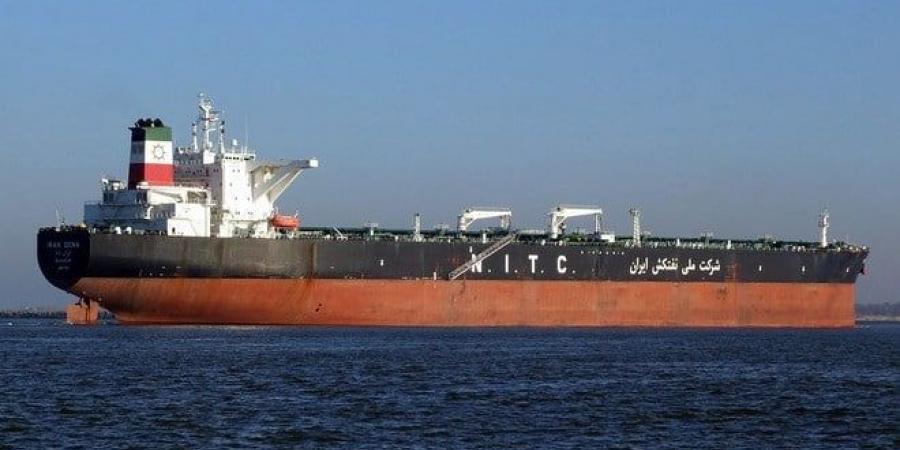 وصول ناقلة نفط ايرانيه إلى بانياس السورية